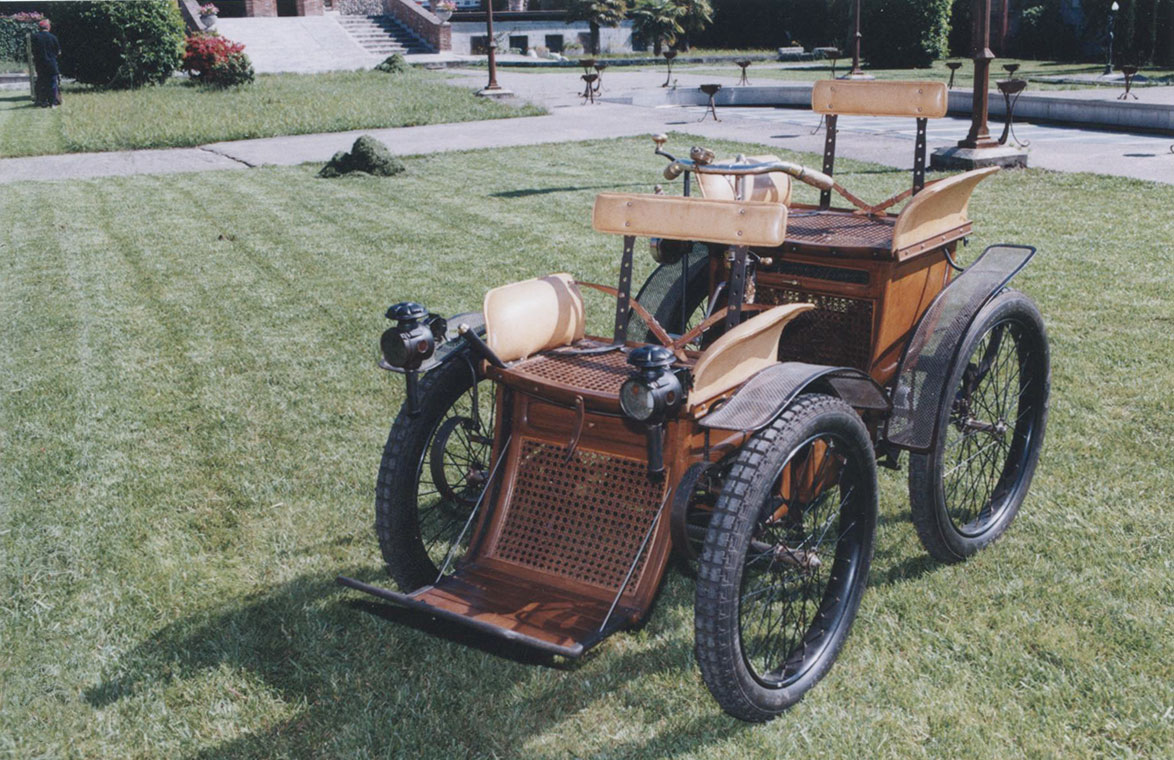 01 Ayrton Perrys 1881 first electric car